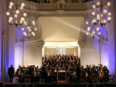 Gustav Mahlers Sinfonie Nr. 2 c-Moll mit dem Theater Vorpommern und der Opera na Zamku im Dom von Greifswald